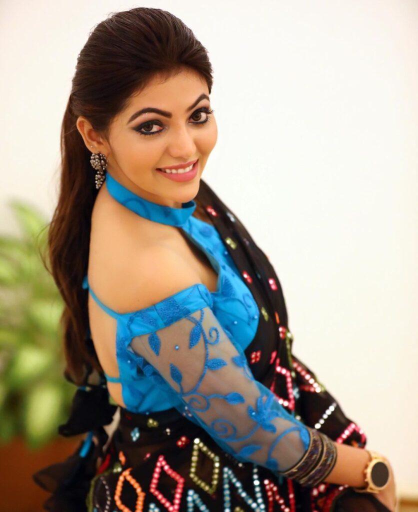 Athulya Ravi 6