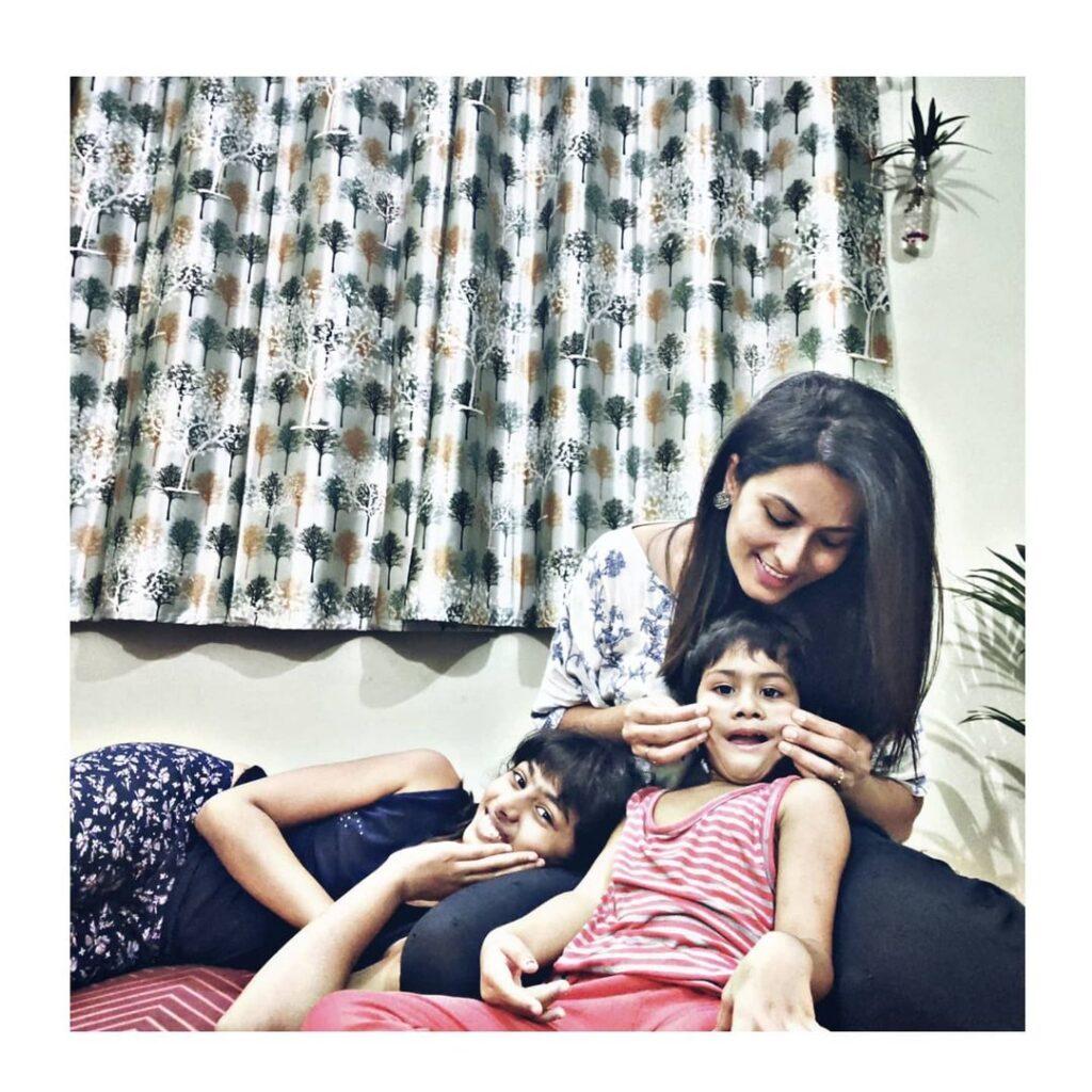 Pratyusha with her Daughters