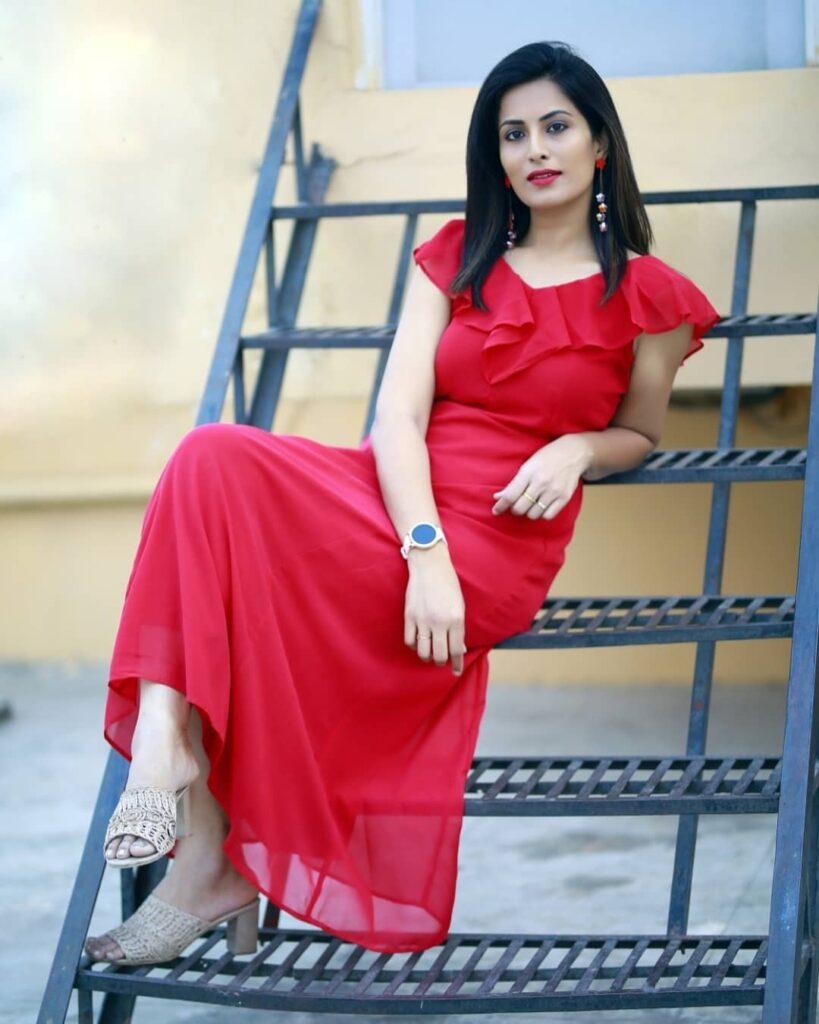 Pratyusha Tv9 Anchor