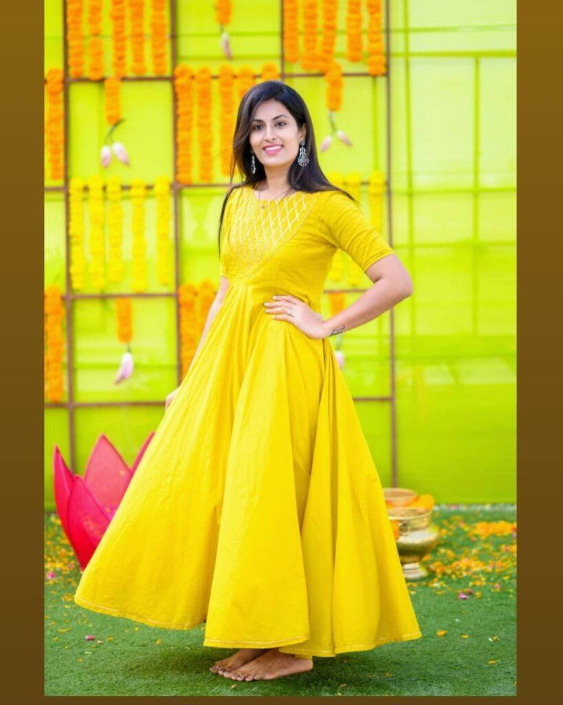TV9 Anchor Pratyusha