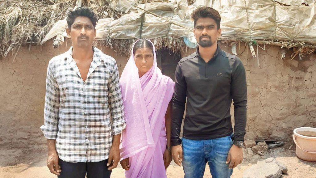 Pravin Jadhav with his Parents