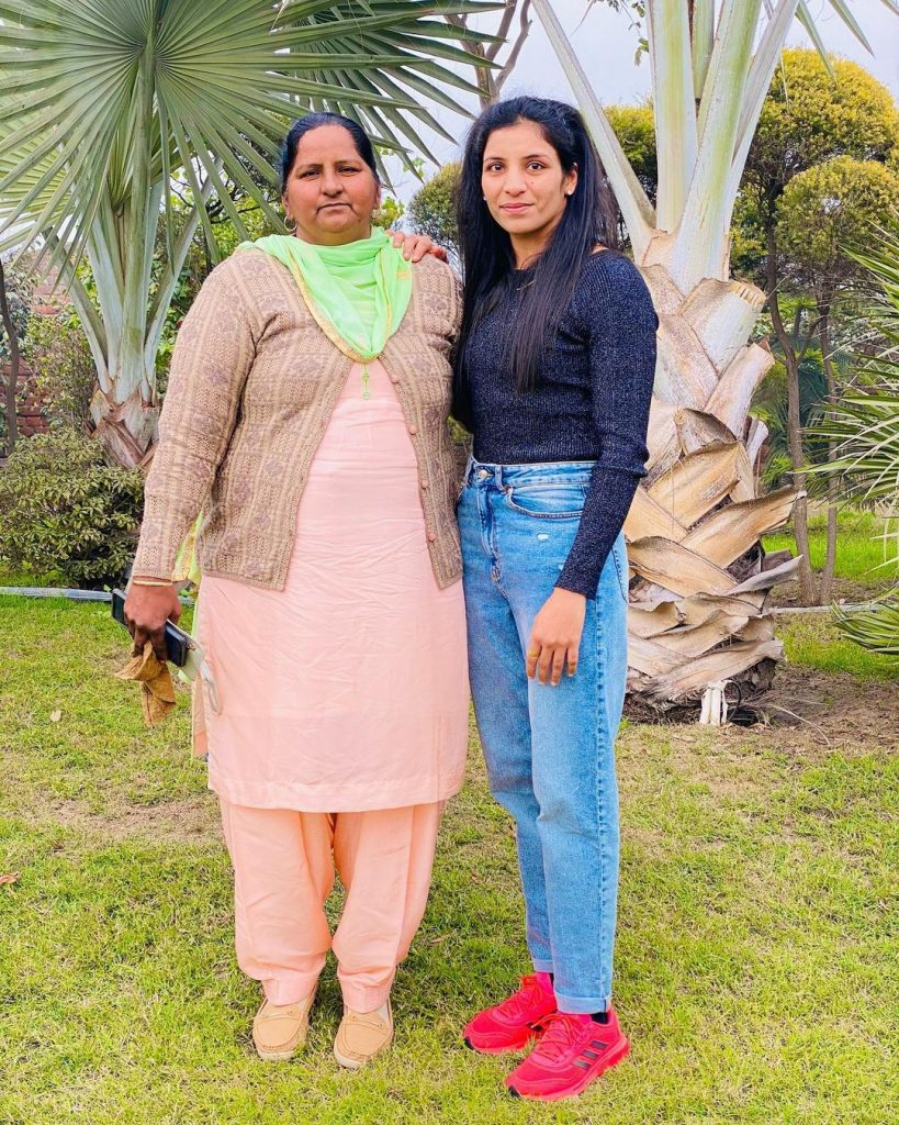 Simranjit Kaur with her mother