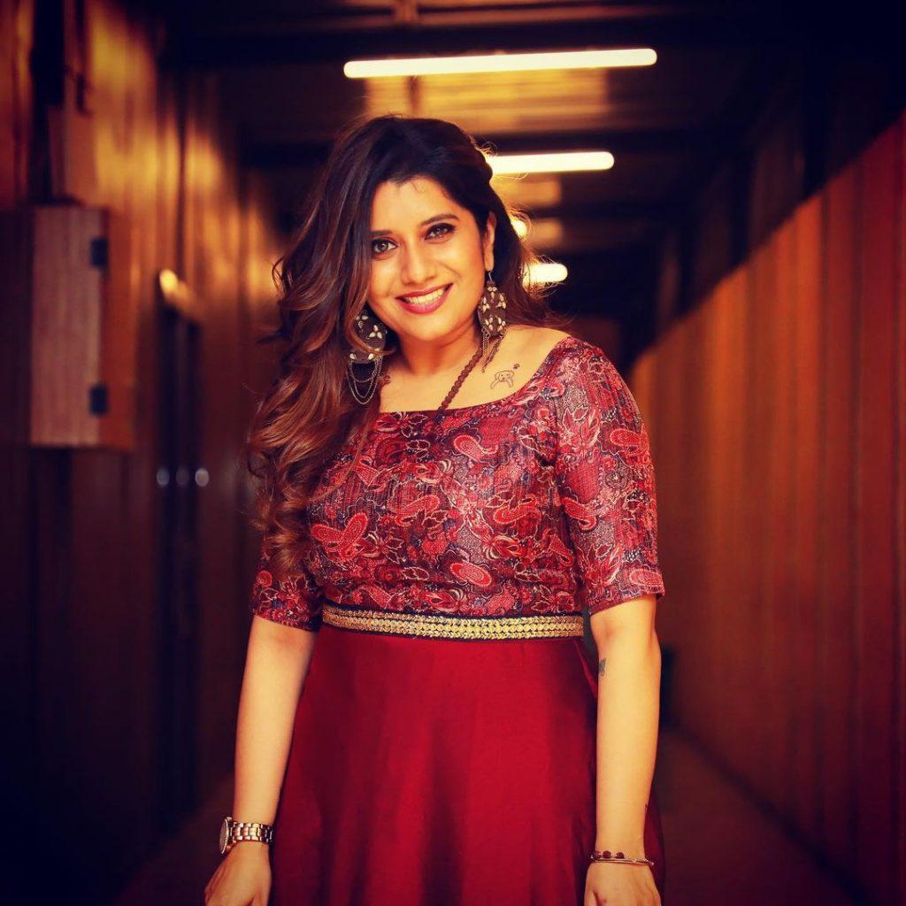 Anchor Priyanka
