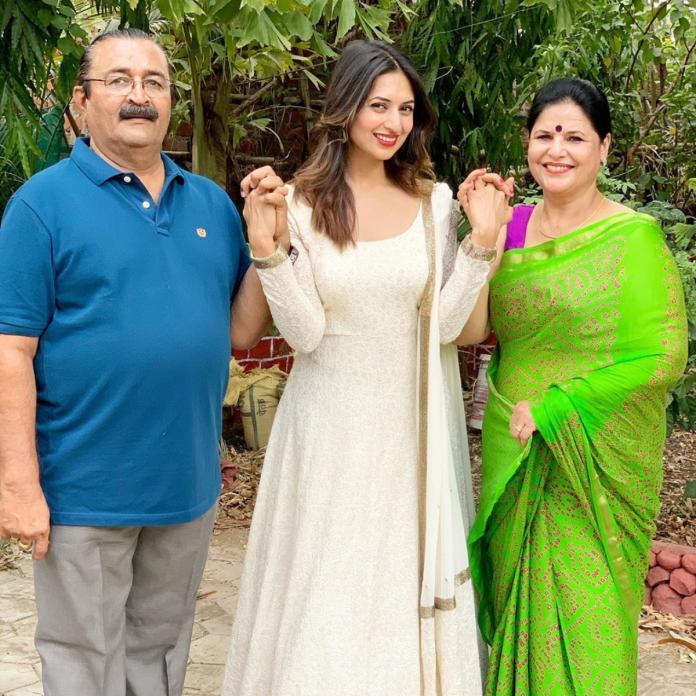 Divyanka with her Parents
