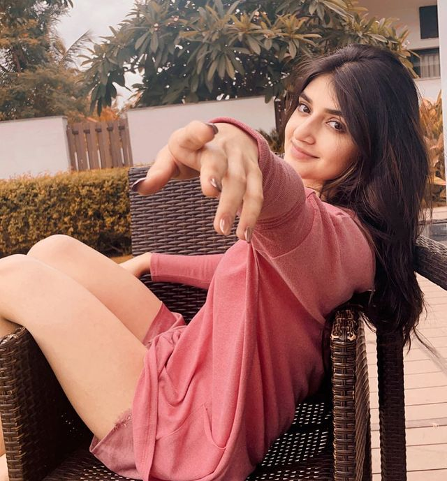 Peli SandaD actress Sreeleela