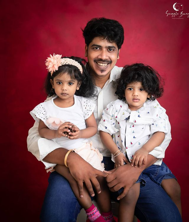 RJ Vinoth with his Son and Daughter
