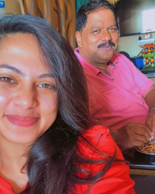Madhumitha H with her father