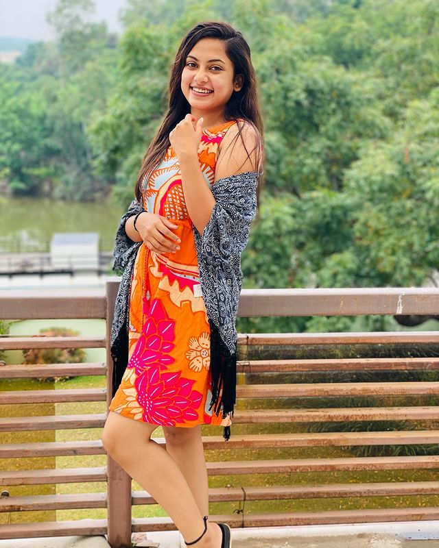 No.1 Kodalu actress Madhumitha