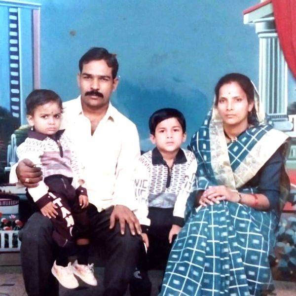 Vishhal Nikam childhood picture with his family